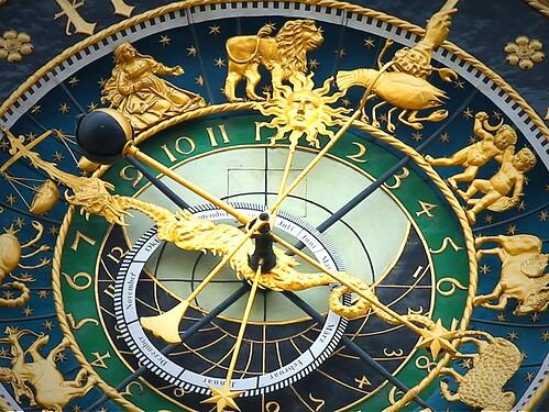 astronomical-clock-408306_1920