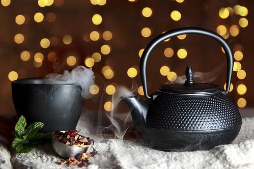 close-up-of-black-teapot-327136