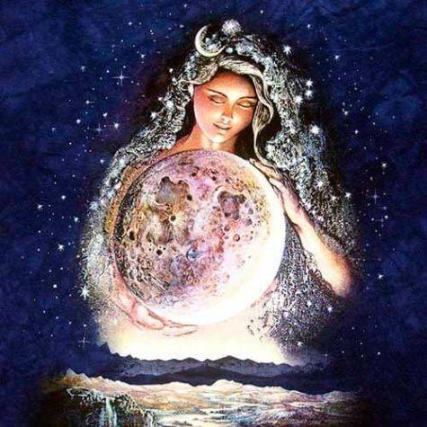Selene Goddess (1)